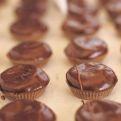 Cupcakes para las fiestas | iVillage mujer de hoy-Cocina: Recetas, Bebidas, Comidas Rápidas, Recetas de Famosos, Postres, Carnes, Ensalada, Recetas Light | Telemundo