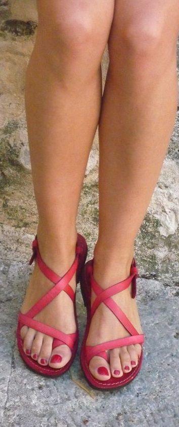 Sandali colore rosso :-)