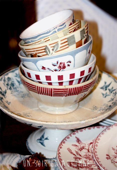 plus de 1000 id es propos de vaisselle ancienne sur pinterest rouge bols et brocante. Black Bedroom Furniture Sets. Home Design Ideas