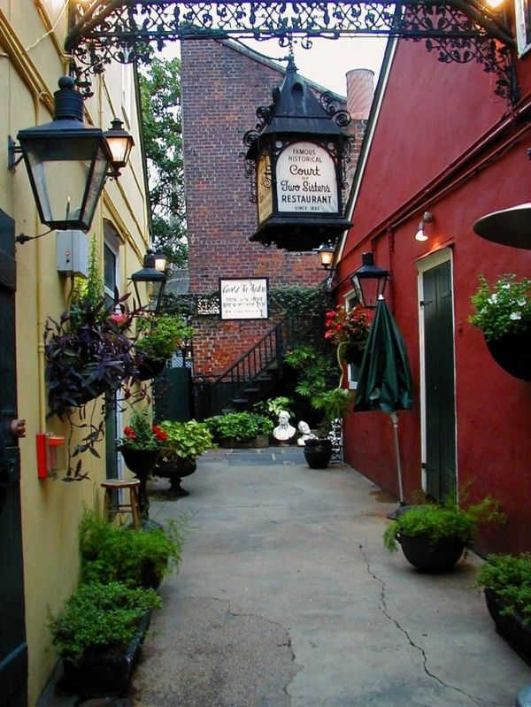 Alley at the Court of Two Sisters Restaurant in New Orleans. Known for their jazz brunch and courtyard.