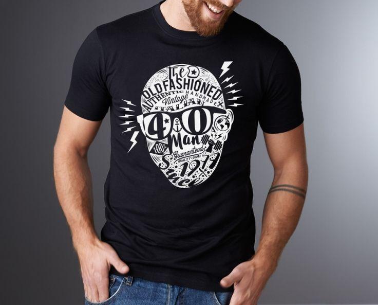 """T-SHIRTS QUARANTESIMO Stupire con un regalo originale e divertente Progetto grafico t-shirt, regalo di quarantesimo compleanno. Quando la grafica è """"tagliata su misura""""; pochissimi capi, cura, qualità e unicità, sono le parole chiave di questo progetto."""