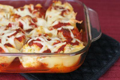 Three Cheese & Chicken Stuffed Shells |: Food Group, Stuffed Chicken, Cheese Chicken, Pasta Dinners, Chicken Stuffed Shells, Pasta Shells, Chicken Pasta, Shredded Chicken, Shells Ideas