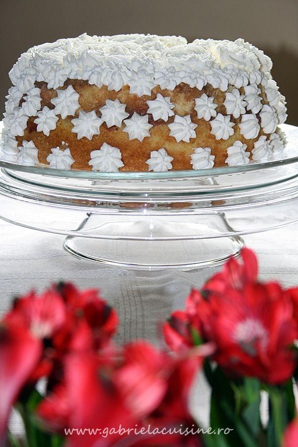 Reteta Tort de mere cu crema de zahar ars - Torturi