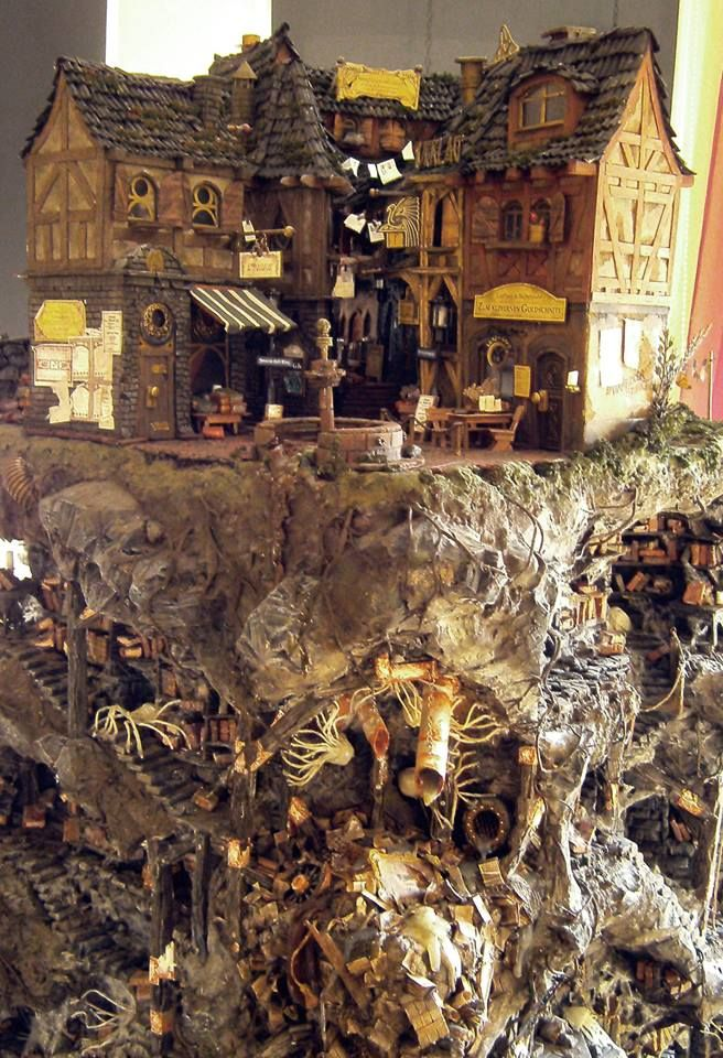 """""""Die Katakomben von Buchhaim"""" (2012) szenisches Modell frei nach dem Roman """"Die Stadt der träumenden Bücher"""" von Walter Moers. vollständige Galerie unter:   http://www.kassiopeya-sachenwerkler.de/die-katakomben-von-buchhaim/  #waltermoers #buchhaim #zamonien #diestadtderträumendenbücher #modell #figur #buchling"""