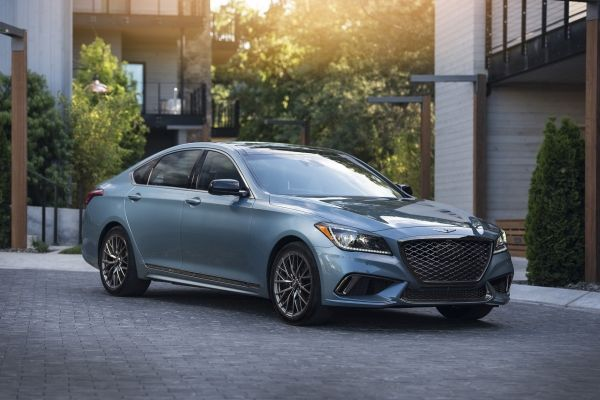 Na Testi Viyihav Novij Gibridnij Sedan Genesis G80 Kompaniyi Hyundai Modeli