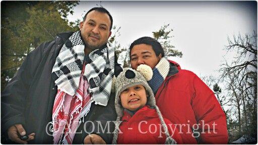 ¡Mi mujer Helena, nuestro enano Arielo, y yo ;) - #FamilyTime, #lowcarb, #lowcarbdiet - #PapiAventuras  ;)! @PinkGuayoyo @Helenation +Helenation - Helena Osorio-Zavala  #UK, #unionjack, #union_jack, #england, #Salvador, #Jesuit, #ihs, #jesuita, #ultramarathon, #raramuri, #Tarahumara, #NativeAmerican, #Georgia, #Armenia, #Caucasus, #Russia, #Yokuzuna, #Japan, #Tampico, #rosa, #rosas, #rose, #roses, #winter,  #vinter, #invierno, #Faldo,  #Dog, #bollywood, #india, #rajasthan, #tg, #mtf, #ftm…