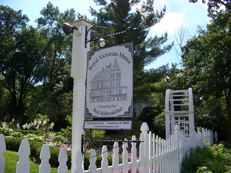 Welcome to Royal Victorian Manor Bed & Breakfast, Woodstock. IL.