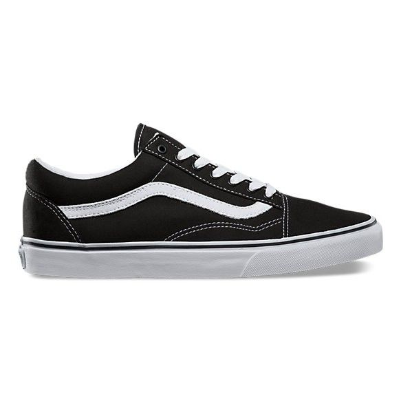 The Old Skool, Vans classic skate shoe and the first to bare the iconic side stripe, is a low top lace-up with a durable canvas upper, padded tongue and lin