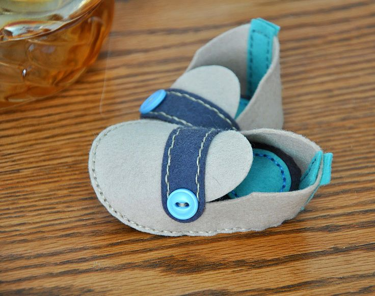 Strapped Baby Booties by Maile Belles for Papertrey Ink (May 2014)