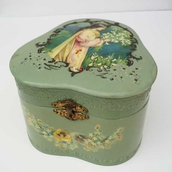Celluloid Box, Victorian Boxes, Victorian Decor, Collar Boxes