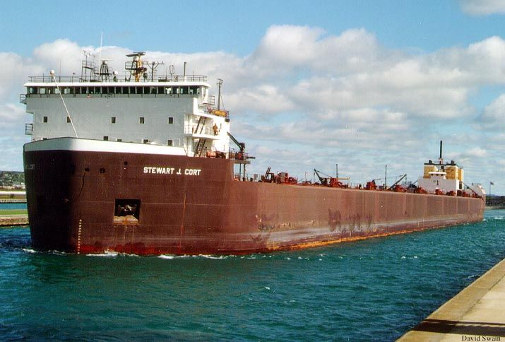 an overview of the ship edmund fitzgerald on the great lakes The sinking of the ss edmund fitzgerald in 1964 it became the first ship on the great lakes to carry more than a million tons of ore through the soo locks.