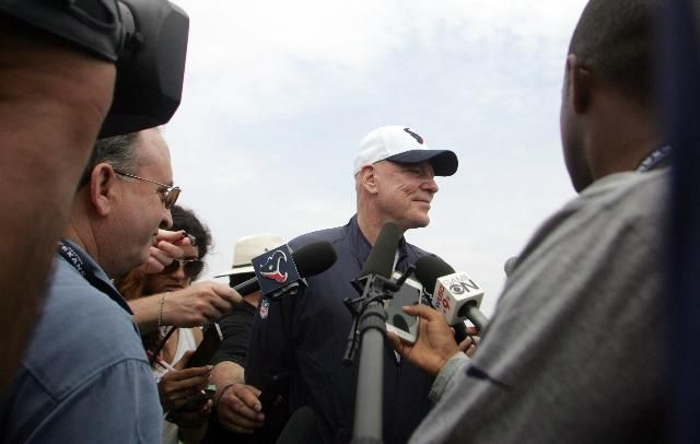 """McNair said to a reporter Tuesday the Patriots' and Tom Brady's supposed non-cooperation is what """"escalated Deflategate."""" He is very wrong. It's fine that McNair can't seem to be bothered to learn the trivial details about a failed investigation that tried to determine whether the Patriots let a few hisses of air out of footballs in a game they won by 35 points. But unlike uninformed sports talk radio callers or egg-headed avatars on Twitter, McNair's words carry weight. When he perverts the…"""