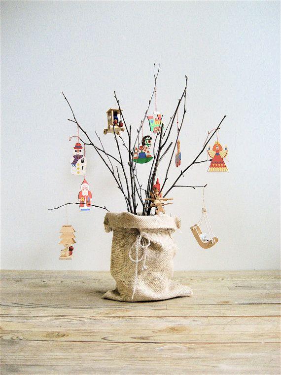 Love this Christmas decoration via etsy.com