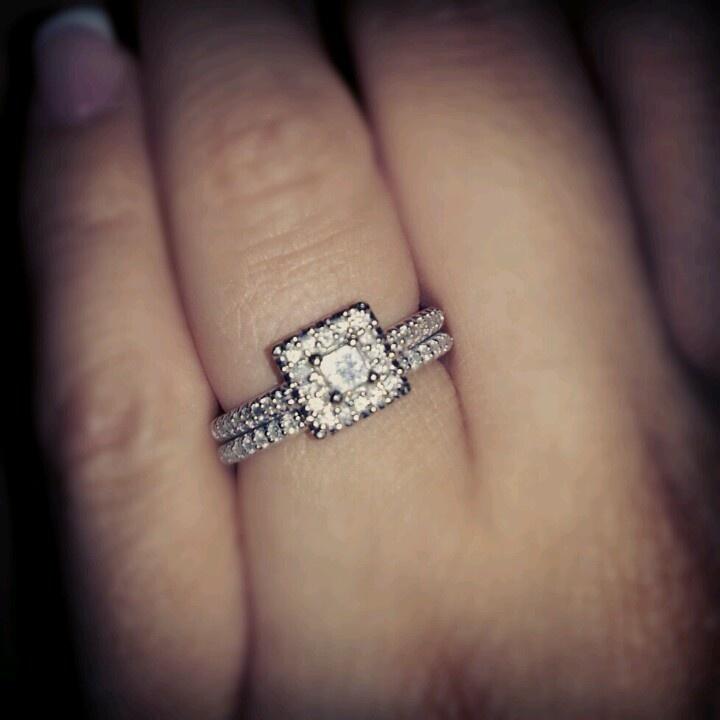 Weddi.g ring
