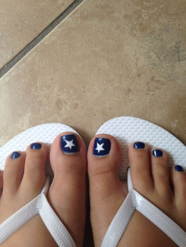 Dallas Cowboy Nails change the start to silver and and silver stripes to the other toes....