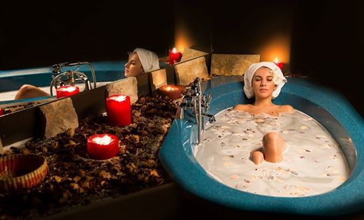 It's love month, pamper your loved one with a romantic and relaxing surprise! Choose to offer him/ her a SPA gift card: Details: http://sungardenresort.ro/news-archive/167-gift-card Model: Madalina Simona Merca Photo Credit: Alex Don