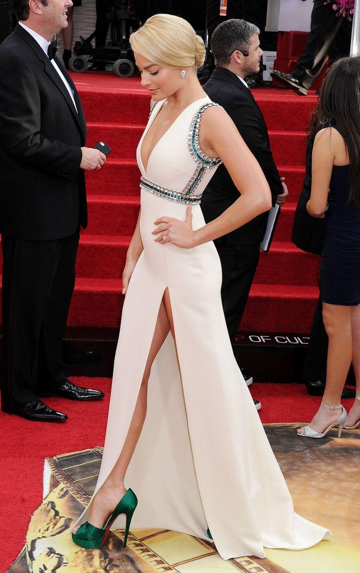 Favorite. Margot Robbie in Gucci at 2014 Golden Globe Awards.