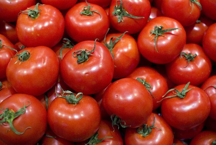 Tomates_apilados_2.jpg (1600×1071)