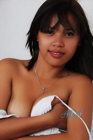 naked filipina middle age