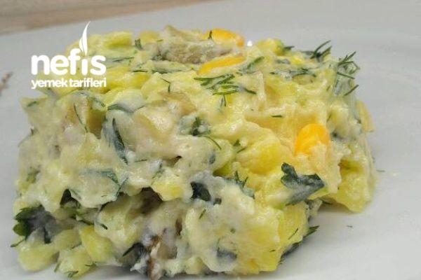 Gün Salatası Tarifi nasıl yapılır? 1.099 kişinin defterindeki Gün Salatası Tarifi'nin resimli anlatımı ve deneyenlerin fotoğrafları burada. Yazar: ayşem