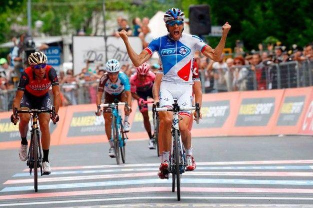 Thibaut Pinot vince la 20°tappa Pordenone-Asiago di 190 km