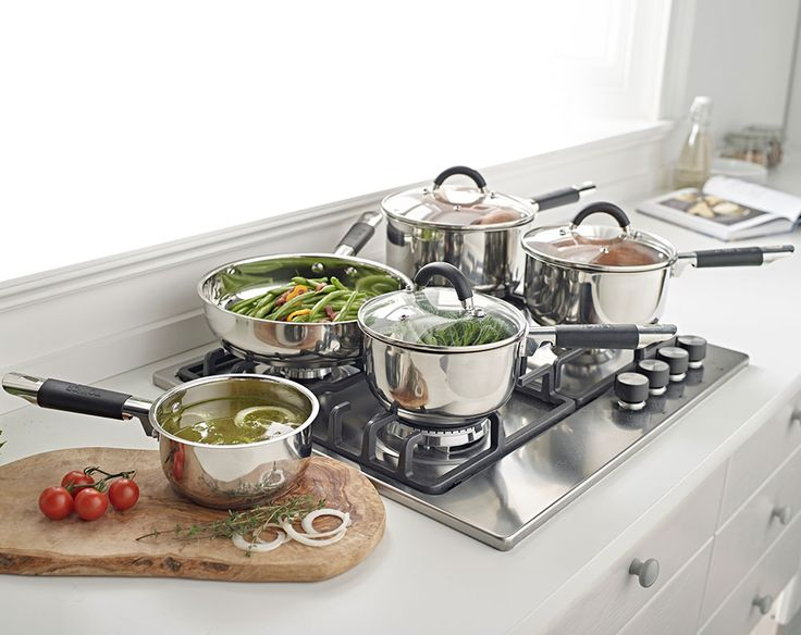 Tower 5 Piece Pan Set.   5 piece Tower pan set in high quality grade stainless steel. Riveted stainless steel handles with silicone wrap. Comprises of 16, 18 & 20 cm pans with tempered glass vented lids, 14cm milk pan and 24cm frying pan. 3mm thick encapsulated bases. Dishwasher and oven safe.