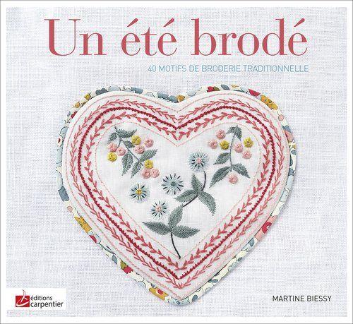 Un été brodé de Martine Biessy http://www.amazon.fr/dp/2841679144/ref=cm_sw_r_pi_dp_hJ5Dub1ZYHMXC