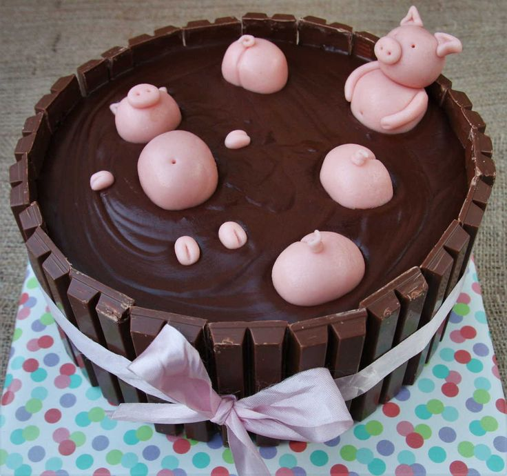 Adorable Pig's In the Mud Cake