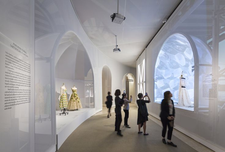 """Preview OMA's Installation for Met Museum Exhibition """"Manus x Machina"""",© Albert Vecerka and OMA"""