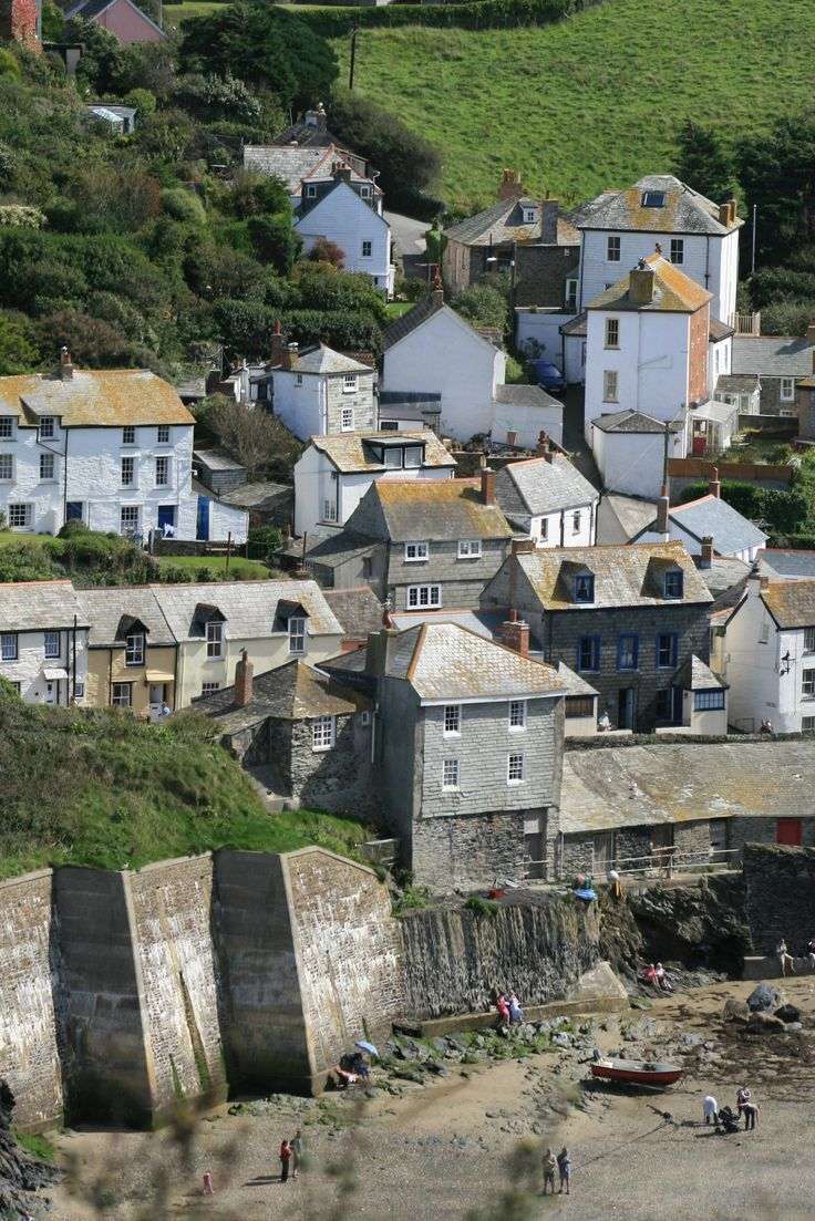 Port Isaac Cornwall. Want to live in Cornwall but find it hard to get down here…