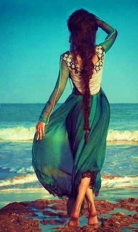 Boho Hair. In love with her dress too.