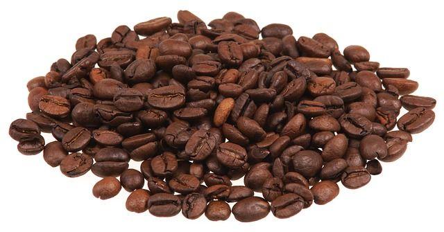 ingredienti:- 500 gr caffè – 100 gr sale fino oppure 100 gr di zucchero – 30 gr olio vegetale Amalgamate il tutto e massaggiate con un guanto esfoliante… Il caffè è efficace contro la cellulite ma anche contro gli inestetismi dovuti alla circolazione. (Visited 558 times, 1 visits today)Ti potrebbe interessare anche... SWIFFER CON MATERIALE
