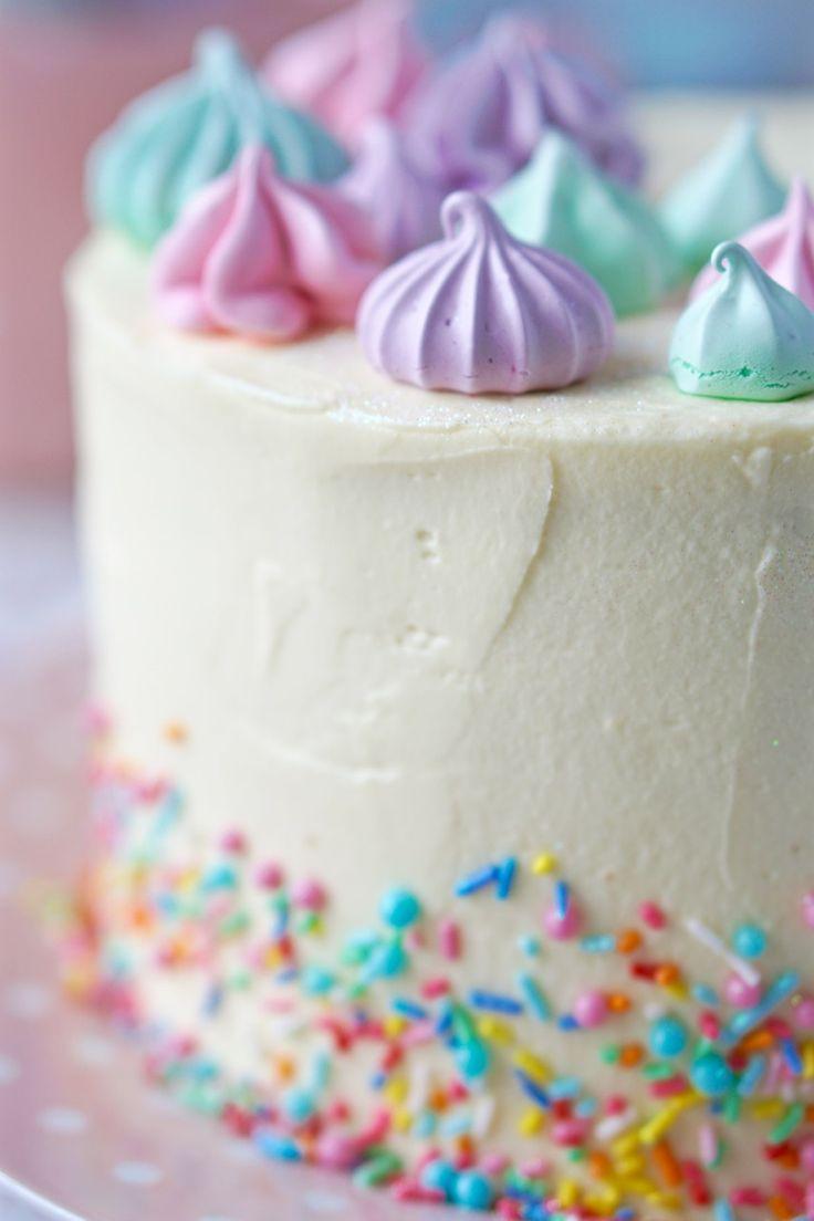 Cupcake bombom de morango | Flamboesa | Bombons de morango