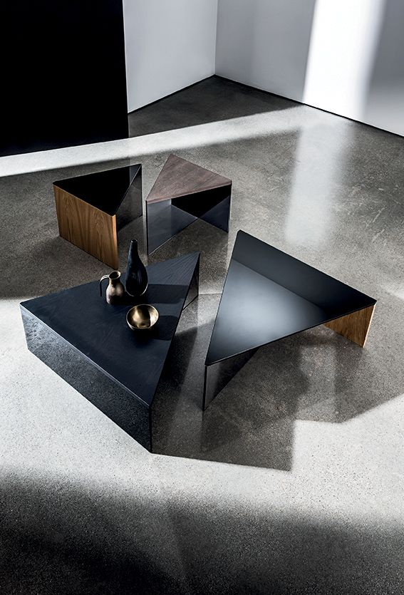 Triangular Regolo coffee table #design and combination of materials to fit harmoniously in different #ambients. #living #home #interior #wood #glass #sovet #sovetitalia