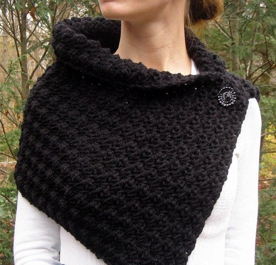 Crochet Cowl Scarf Neckwarmer in Black with Buttons