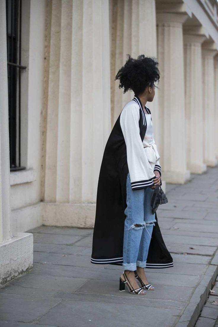 İkonik marka Levi's®, bu yıl düzenlenen Londra Moda Haftası'na, 501®'in yeni üyesi 501® Skinny ile yön veriyor. Moda ikonları, baharda lansmanı yapılacak yeni 501® Skinny'i tercih ediyor. Yüksek bel ve dar kesim özelliklerine sahip, vintage tarzda tasarlanan 501® Skinny, her stile uyan görünümü ve şıklığıyla moda severleri selamlıyor.
