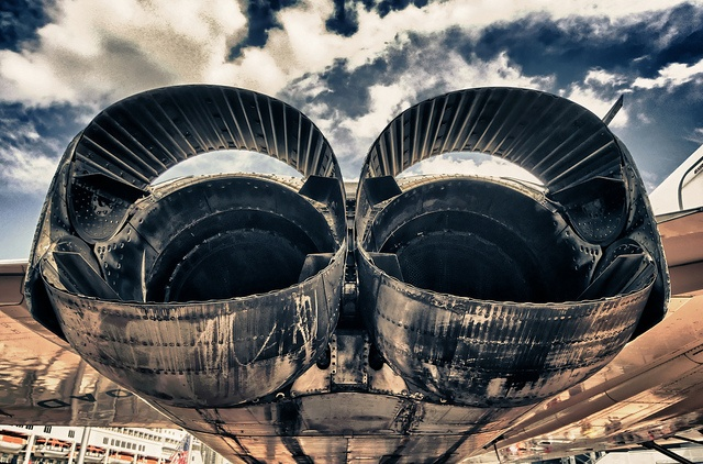 Concorde engines exhaust & reverse thrust cups. The engines were made by Rolls Royce. A development of the BAC / Snecma 320 used on the TSR 2. Bristol Siddley were purchsed by Rolls Royce.