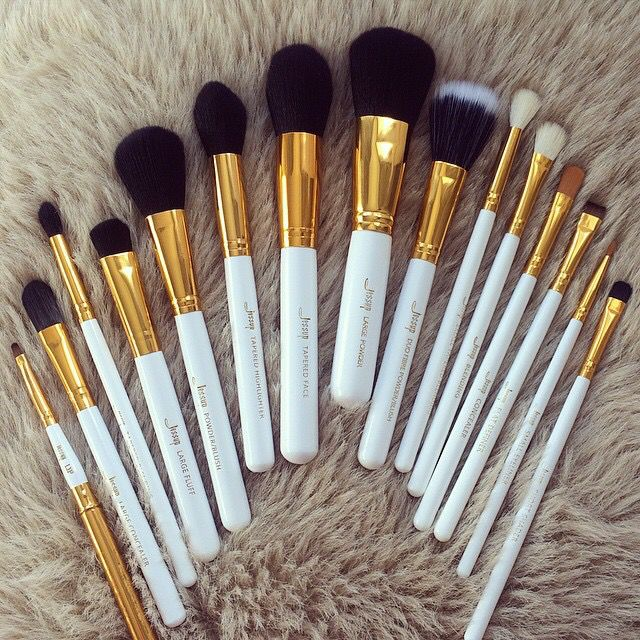 White and Gold. Jessup Brushes