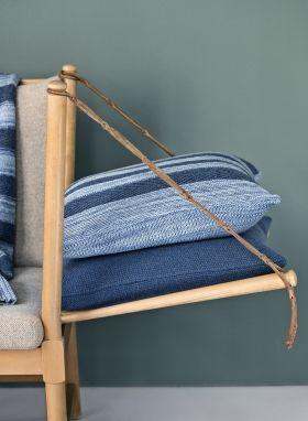 StrikAholic - Tactile Stripes Cushion and SeedStitch Cushion ambiance 1