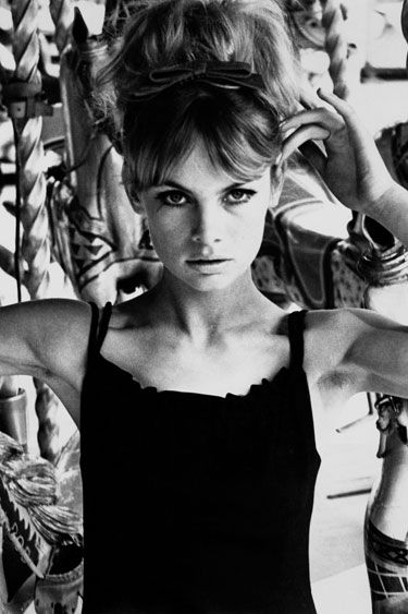 Jean Shrimpton  A little black dress is the definition of effortless style on the pretty Brit.