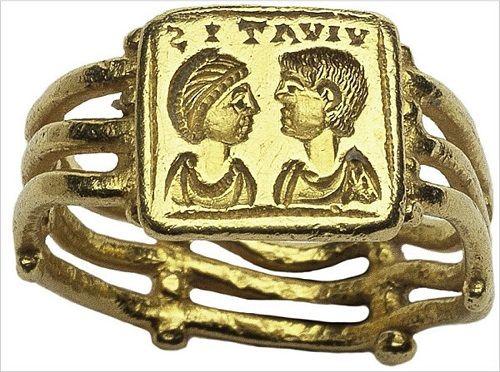 Римское обручальное кольцо из золота, примерно 500 год н.э.