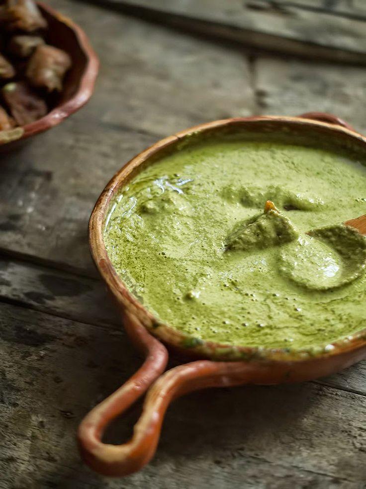 Rústica: Mole Verde/ Green pumpkin seed sauce. Traditional Mexican cuisine