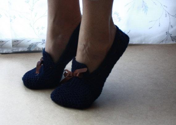 Dark Blue Unisex Crochet Slippers by WhiteBergamot on Etsy, €15.70