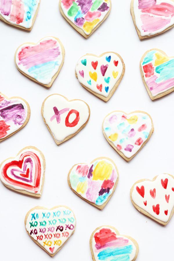 DIY: watercolour heart cookies