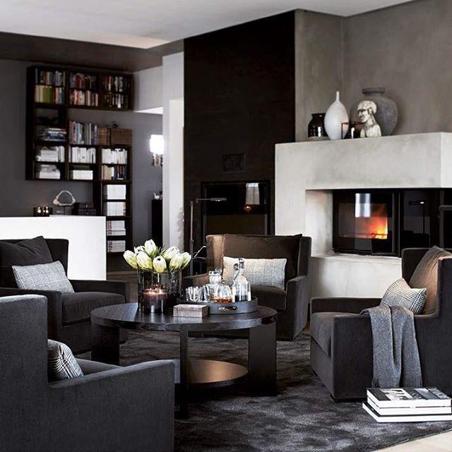 Herlig luksus å ha plass til denne komfortable gruppen av East stoler. #slettvoll