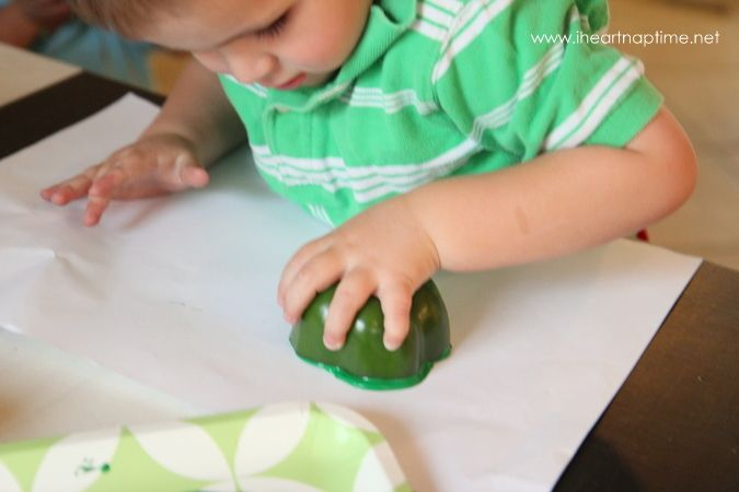 Fun kids craft for St. Patrick's Day. Stamping Shamrocks with bell peppers!