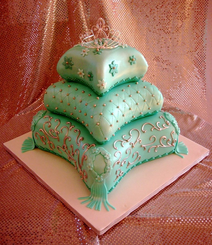 10 best images about cakes pillow on pinterest princess crown cake cakes and wedding cakes. Black Bedroom Furniture Sets. Home Design Ideas