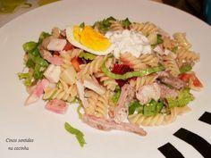 Cinco sentidos na cozinha: Salada fria de massa com tiras de peru grelhado- aproveitamento de sobras