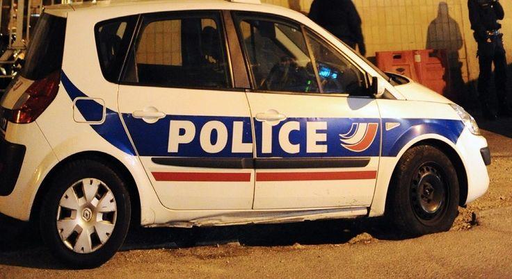 Vénissieux (69) : des policiers de la BAC attaqués par une quarantaine d'individus Un véritable guet-apens. Selon les informations de LCI, des effectifs de la Brigade anti-criminalité (BAC) départementale ont été pris à partie, ce mercredi soir vers 20...