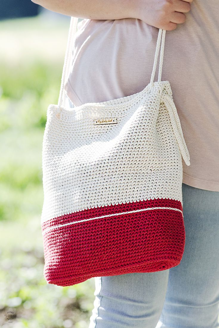 Crochet bag #MyLovelyBag Barcelona in red and cream with rope handle. Handmade by #MyLovelyHook